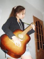 Гитару акустическую,  6-струнную